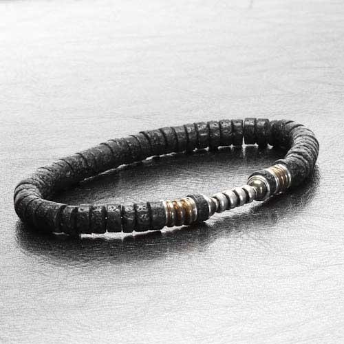 Un bracelet pour homme en perle de lave