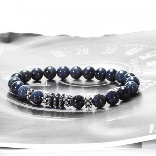 un bracelet pour homme en argent